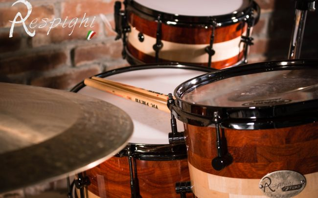 picture of a Respighi drumset in padouk and maple