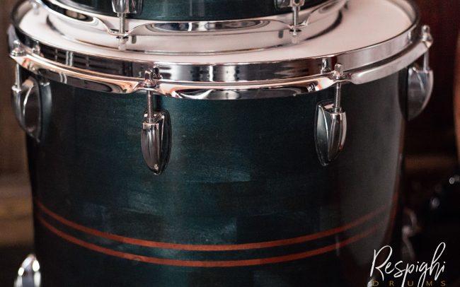 Timpano di una batteria artigianale in pioppo