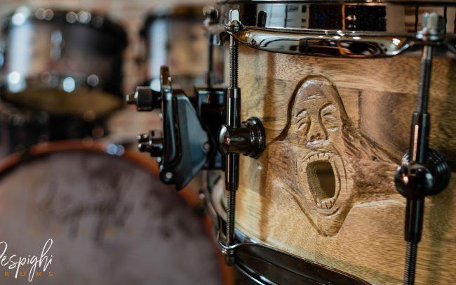Airvent intagliato sul rullante artigianale della batteria Pink Floy Tribute by respighi drums