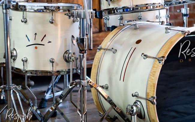 Particolare simbolo su cassa giorgio di tullio batteria signature respighi drums