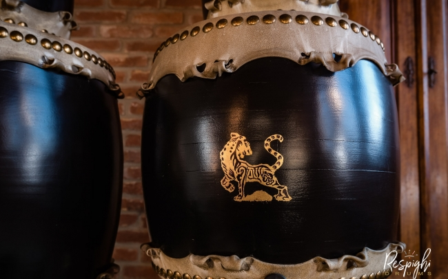 Taiko giapponese in Rovere e pioppo e tigre in foglia d'oro