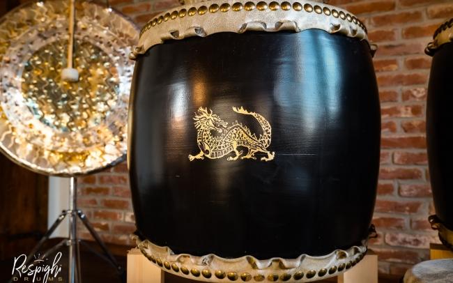 Taiko giapponese in Rovere e pioppo e drago in foglia d'oro